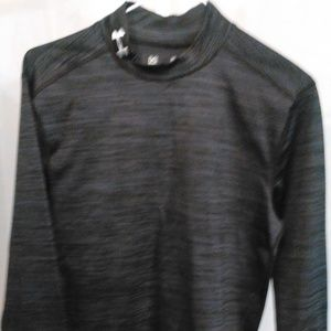 Under Armour Athletic Compression Style Shirt (L)